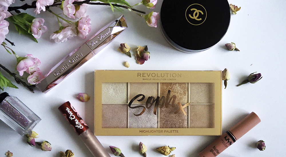 Makeup products flatlay image