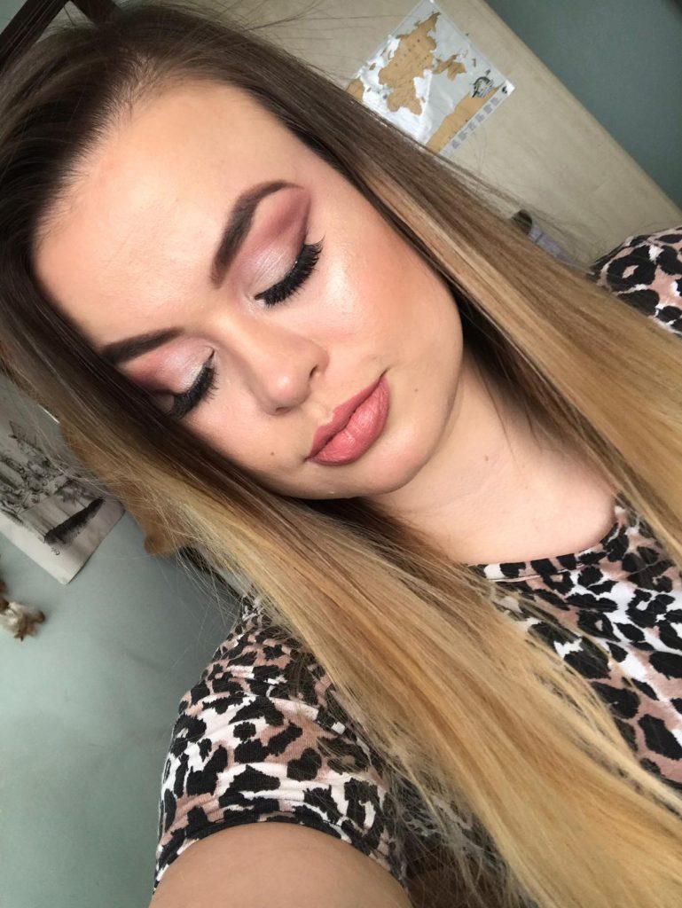 Valentine's Day makeup look image