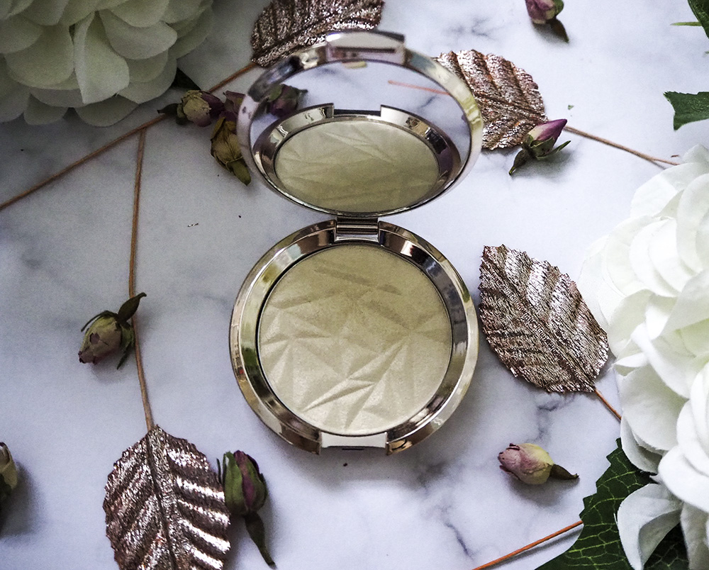 BECCA Shimmering Skin Perfector Pressed Highlighter in Vanilla Quartz image