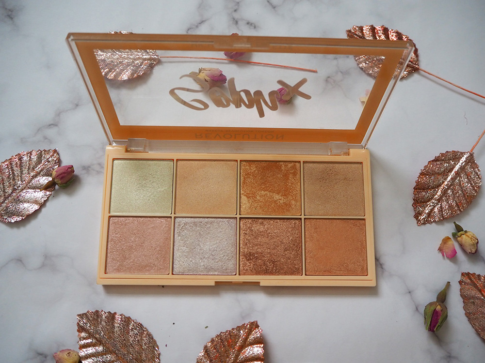 Makeup Revolution x Soph highlighter palette image