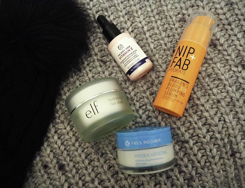 winter skincare routine image