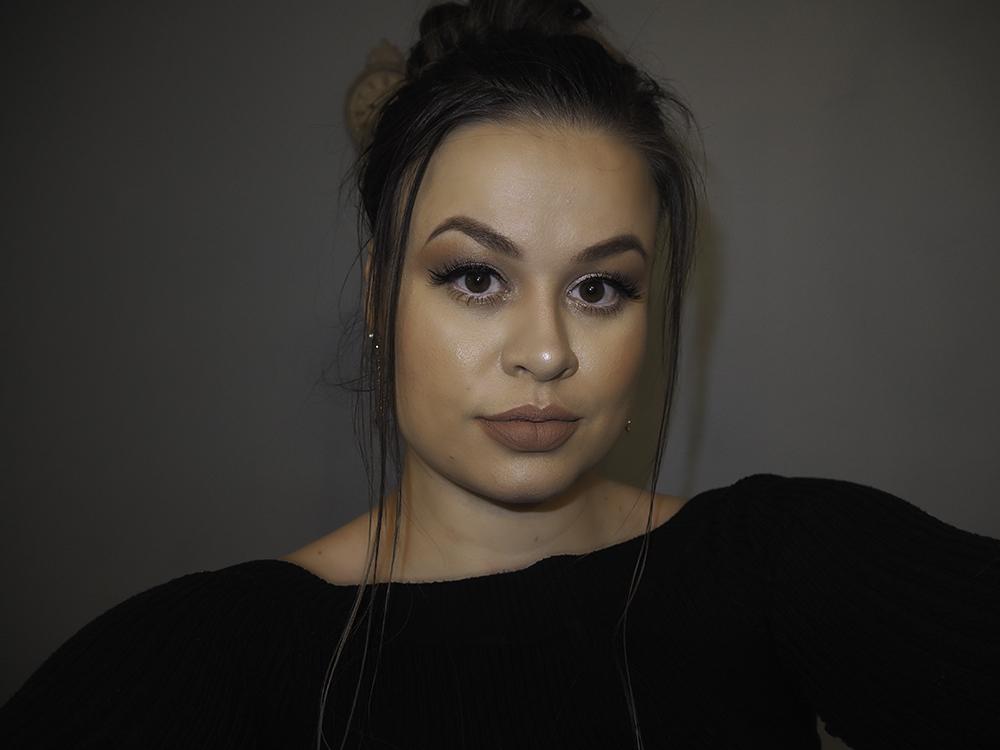 Winter makeup look image