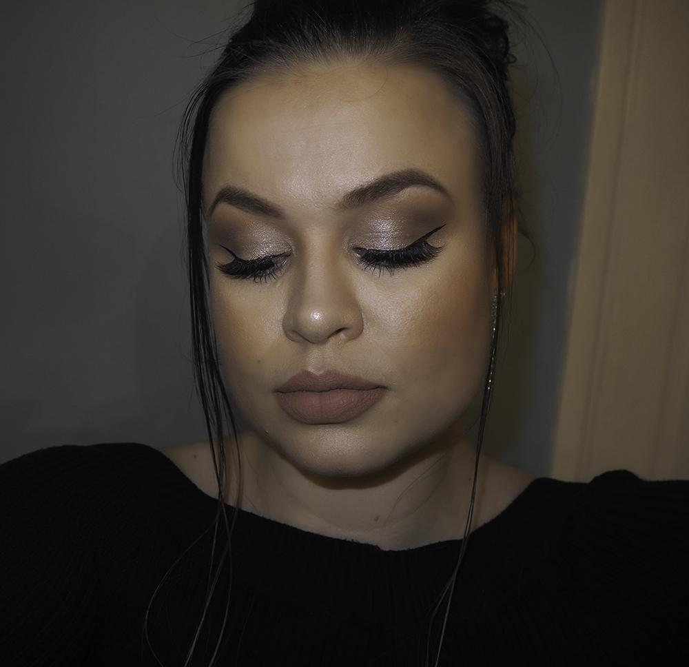 Winter eye makeup image