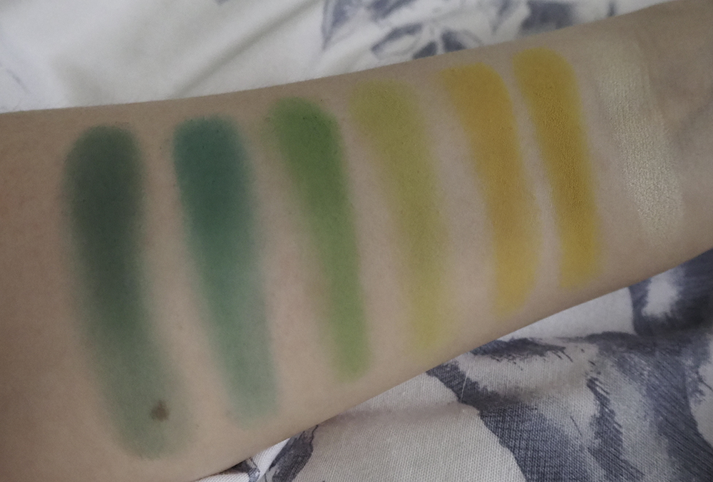 Beauty Bay Bright Matte Palette swatches image