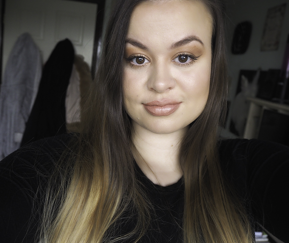 Wearable brown smokey eye makeup look image