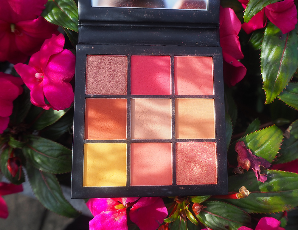Huda Beauty Coral Obsessions Eyeshadow Palette image