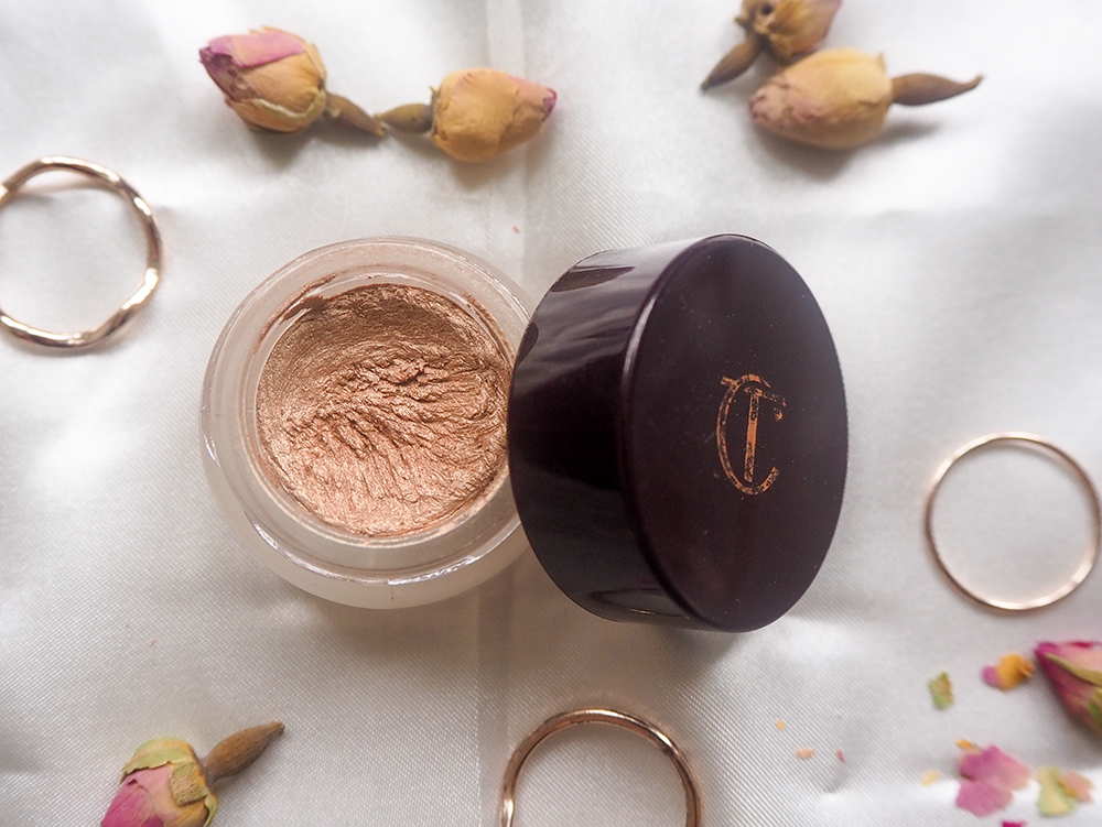 Charlotte Tilbury Eyes to Mesmerise in Champagne image