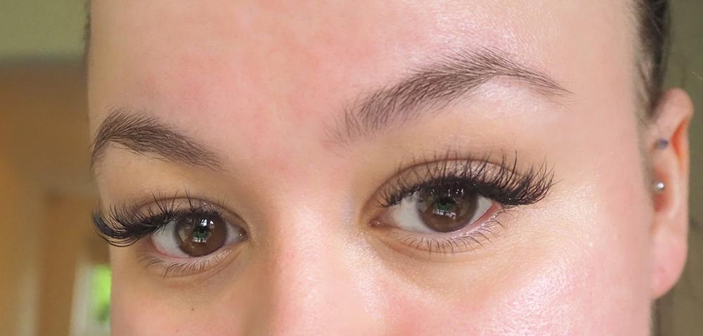 Cat eye lash extensions image