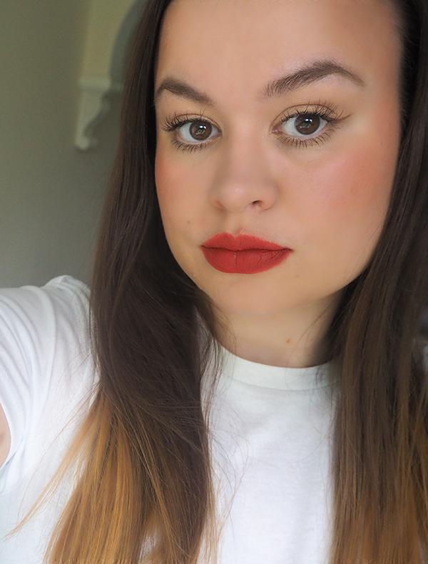 Daytime glam makeup look image