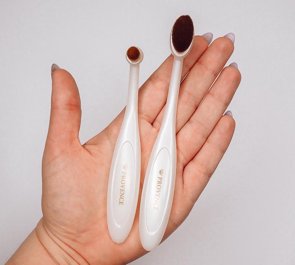 4. Tsuyuhada Foundation Brush (Point Makeup Set) image