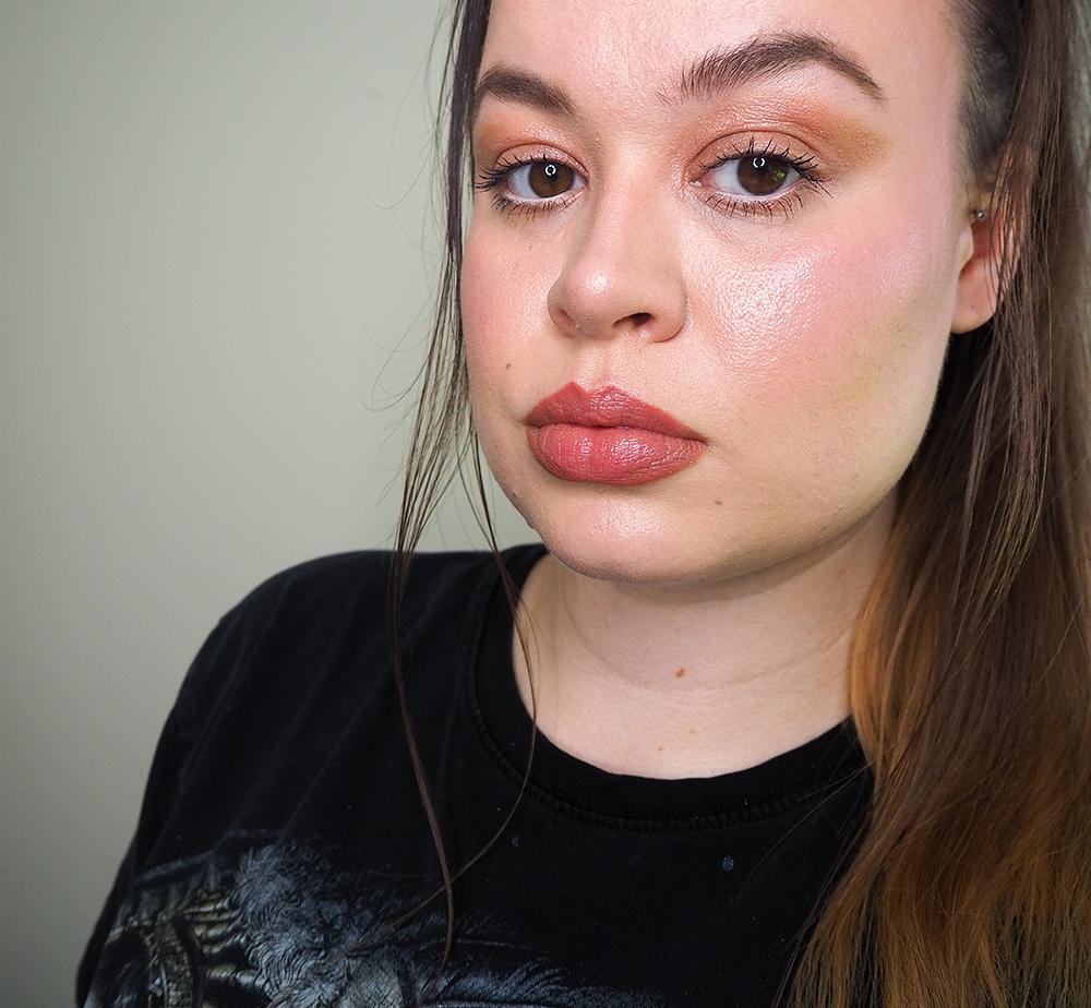 noamkenolife makeup look image